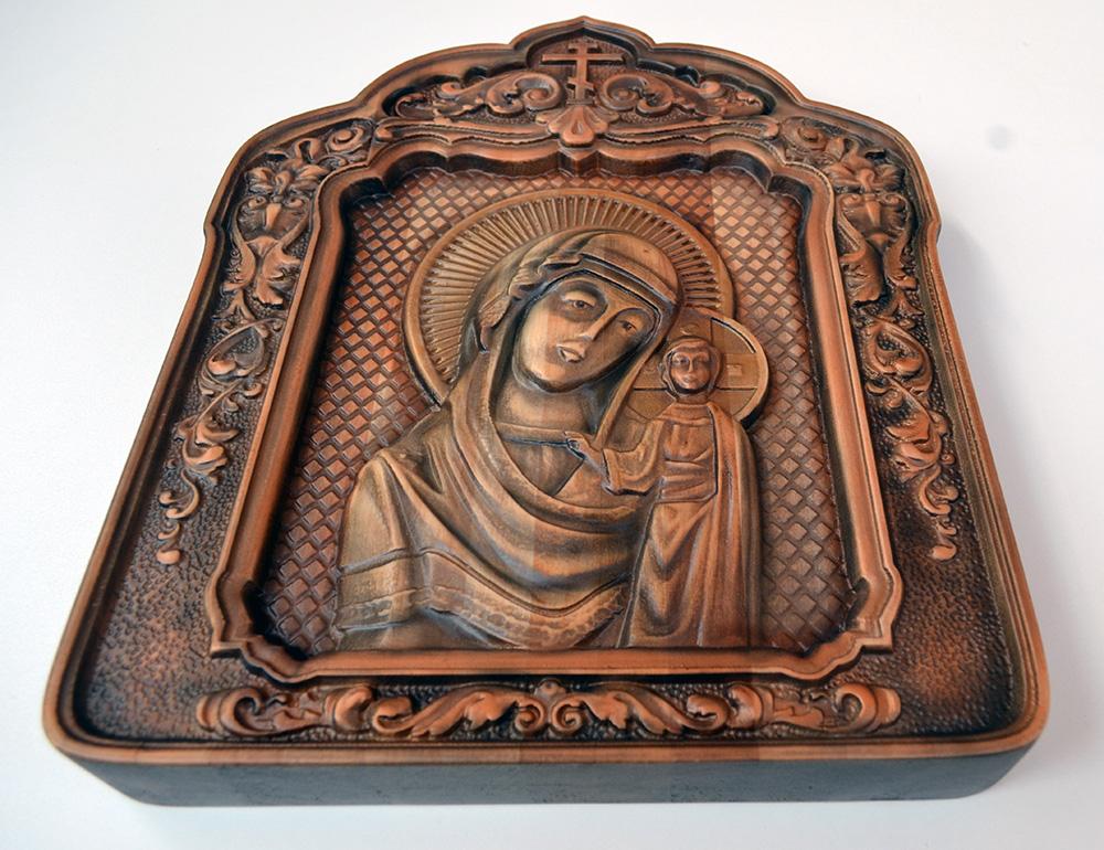Резная икона Казанская Божья Матерь из массива дерева  Казанская Божья Матерь Казанский Собор